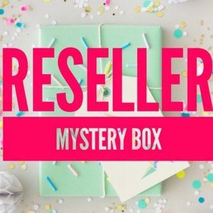 Women's Clothing Reseller Box